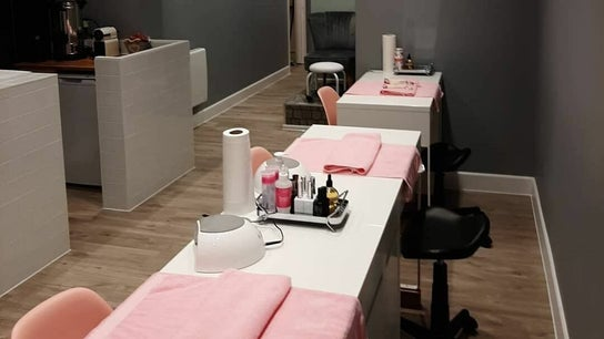 Polished Nail and Beauty Lounge - Cranleigh