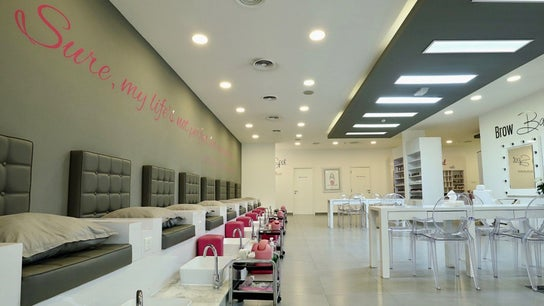 Blo Out Beauty Bar - Jumeirah Road