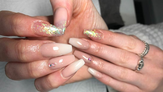 Stef's Nails and Beauty