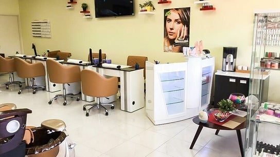 DELIGHTED NAIL SPA