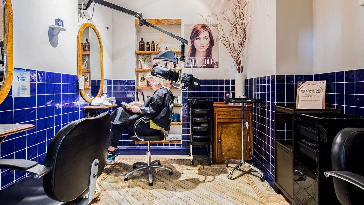 Terence Andrew Hairdressing - Aveda Salon