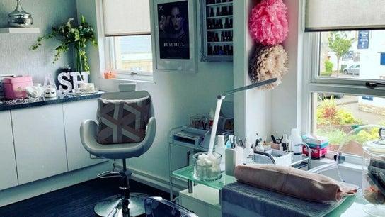 OneUp Hair & Beauty