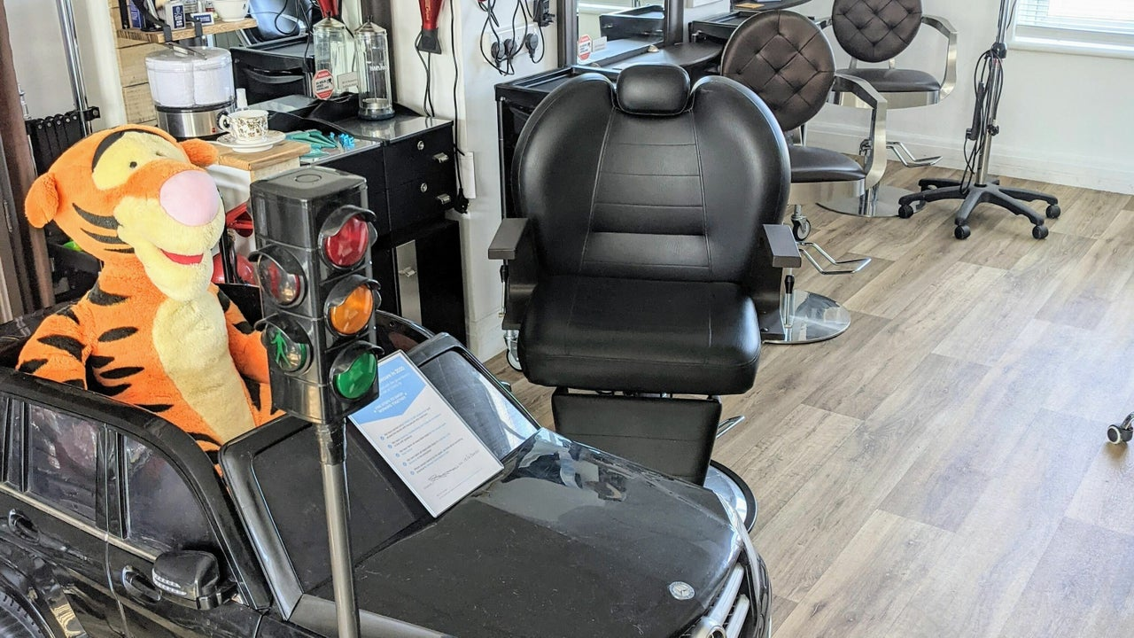 Pin and Pose Salon