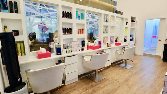 Miss Cutting Edge Ladies Salon - Marina Branch 1