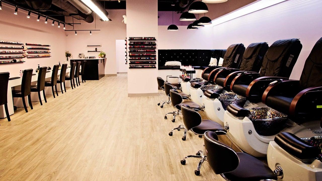 Plush Beauty Lounge - 1