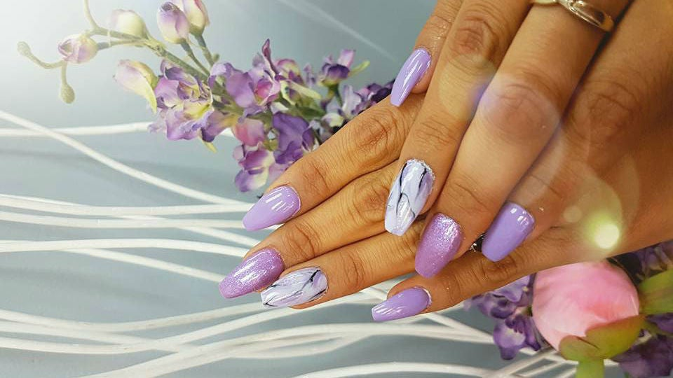 Hottips Lux Nails& Spa - 1