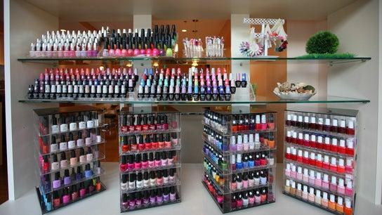 Pinky Nails on Davisville .2034 Yonge st. 2