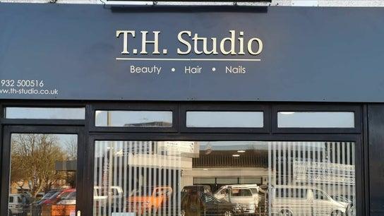 T H Studio