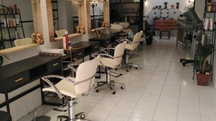 Le Salon - 1