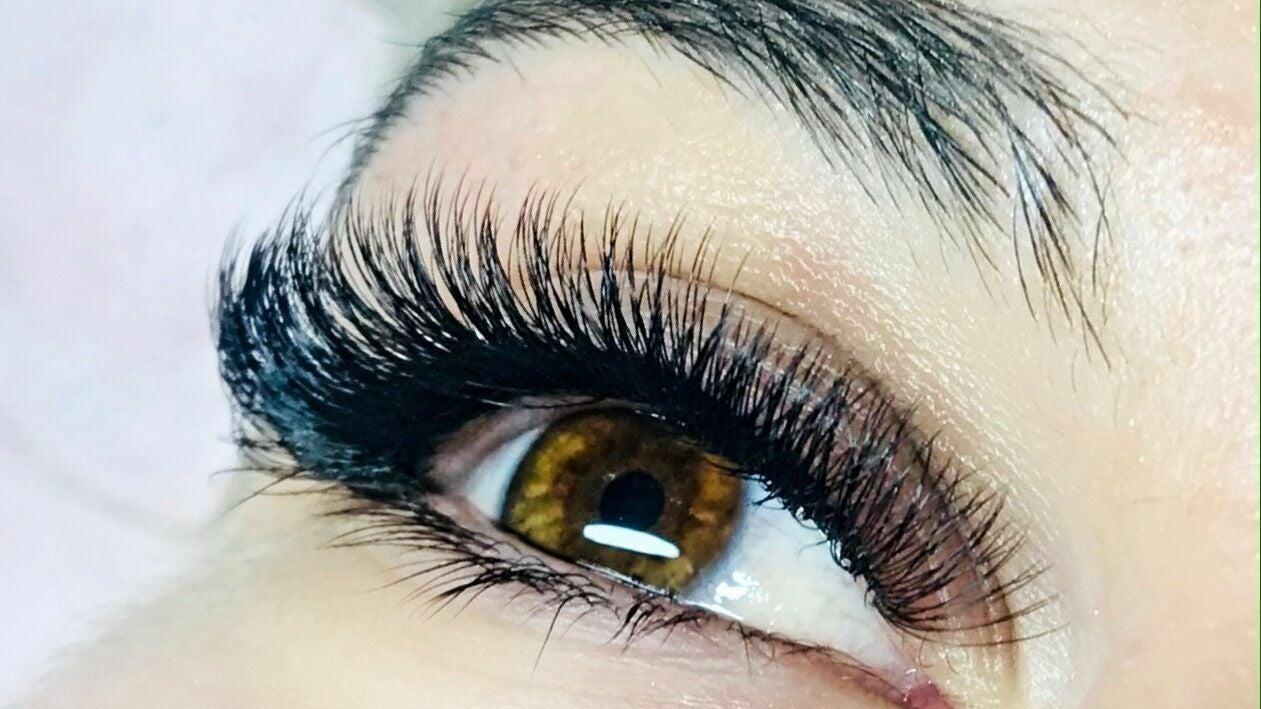 Lavish Lashes & Beauty Bar - 1