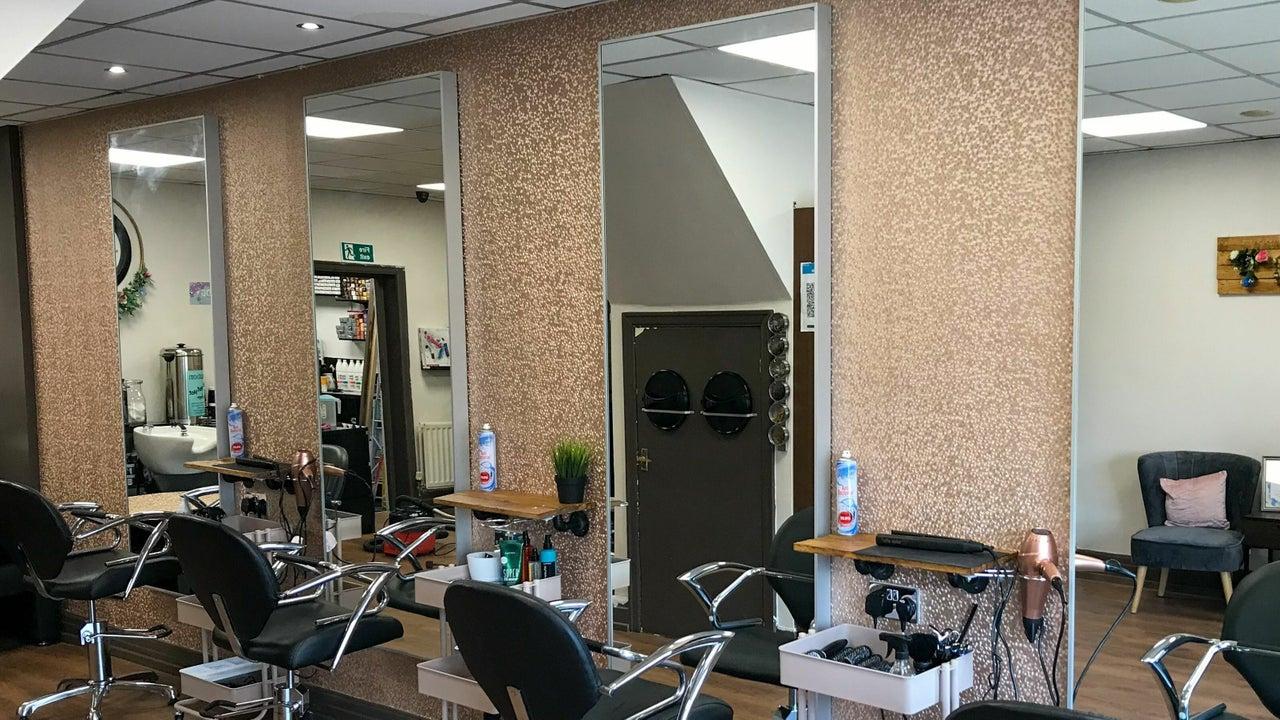 Cosmetology Hair & Beauty - 1