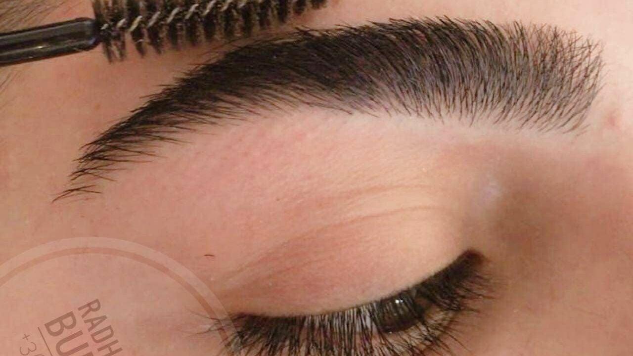 Radha's Beauty Salon - Eyebrow Threading - Budapest