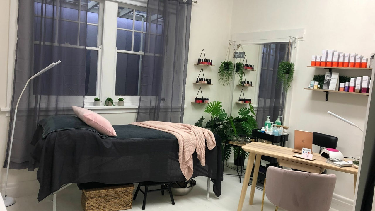 The Bronze and Beauty Room