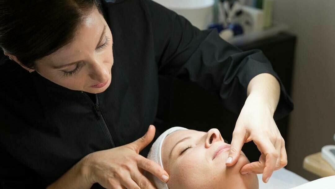 Melissa Lekus Skincare Consulting - 1
