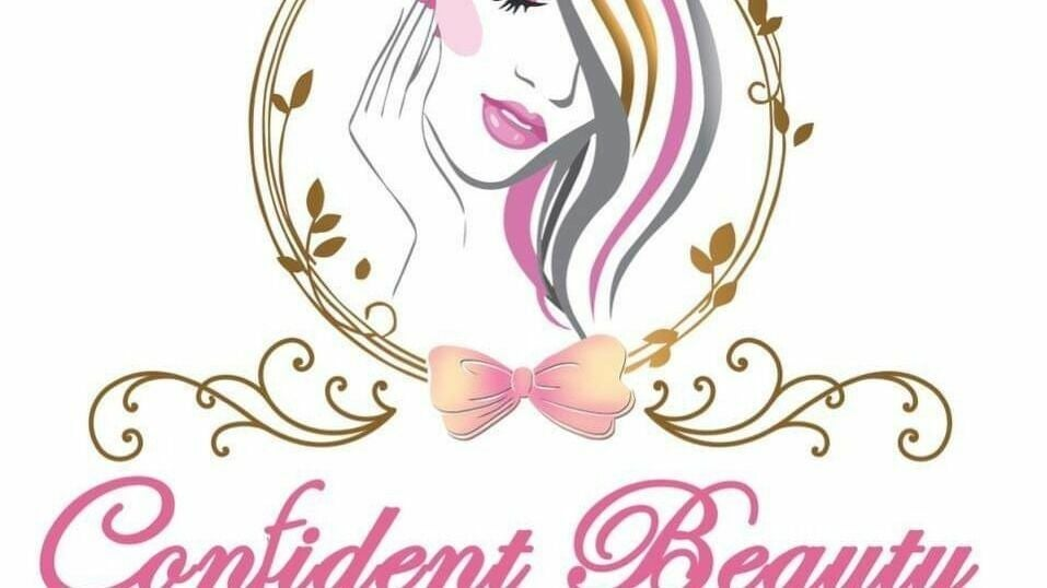 Confident beauty by Far