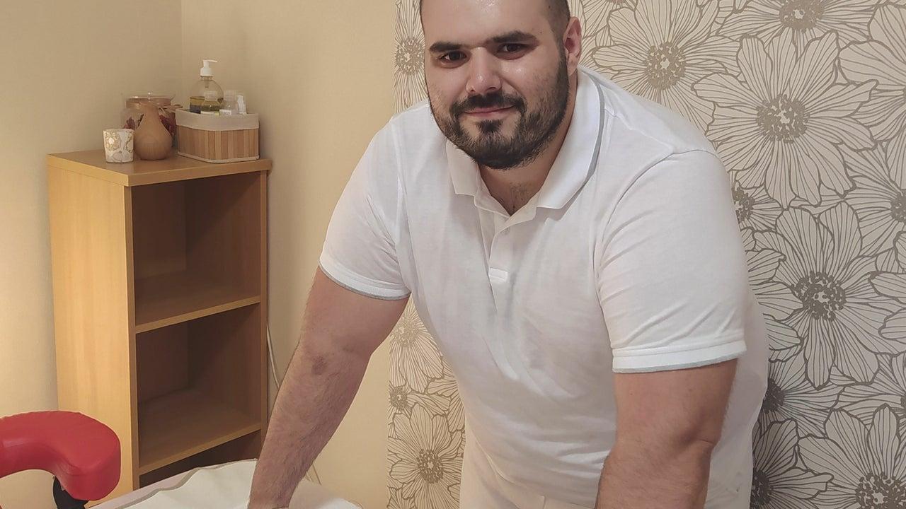 Man in White Massage