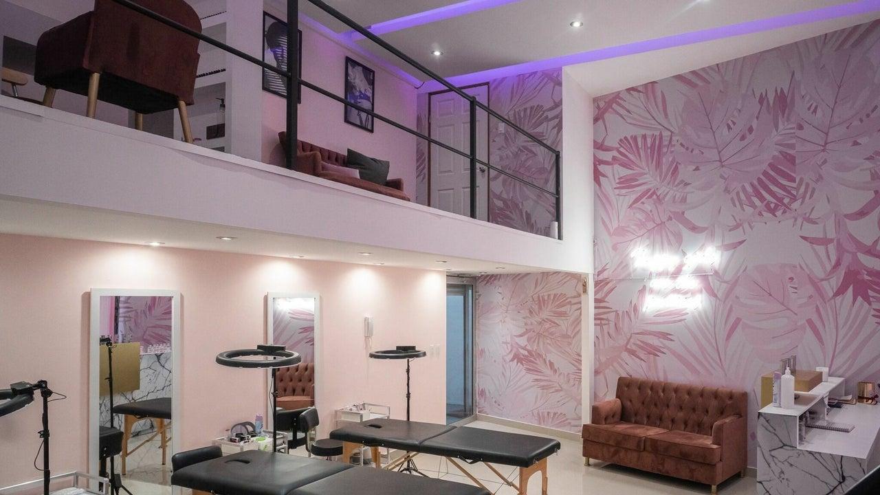 Aura Beauty Center - 1
