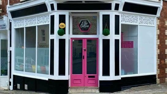 Elle Delia Brow Lounge
