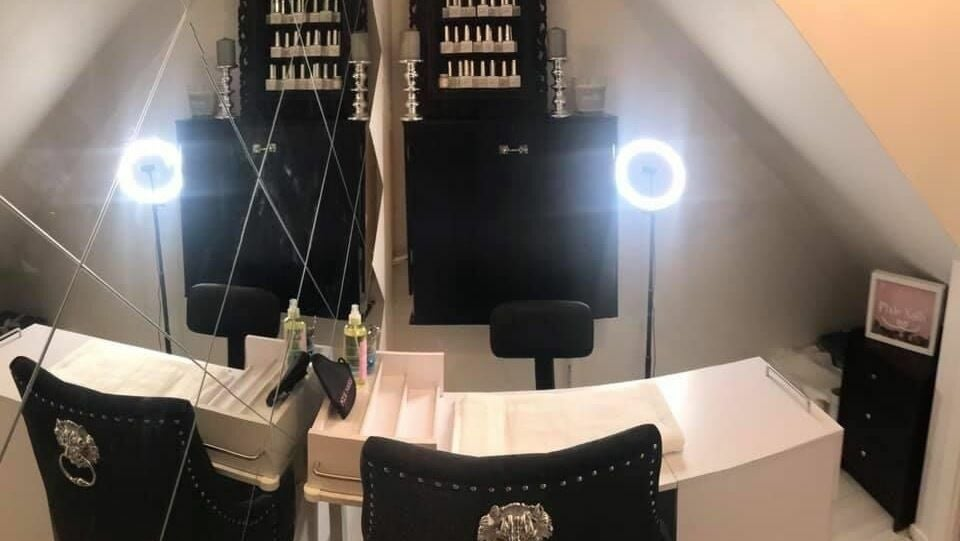 Pixie Nails 11 melfort place Dundee