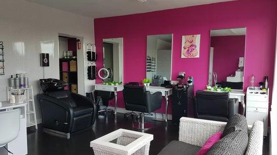 Elegance Beauty Studio  S9 1AG