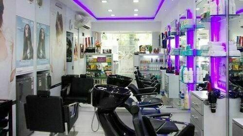 Juuhi Hair & Beauty Family Salon