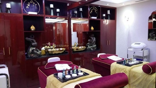 The One & Only Madhu Beauty Lounge