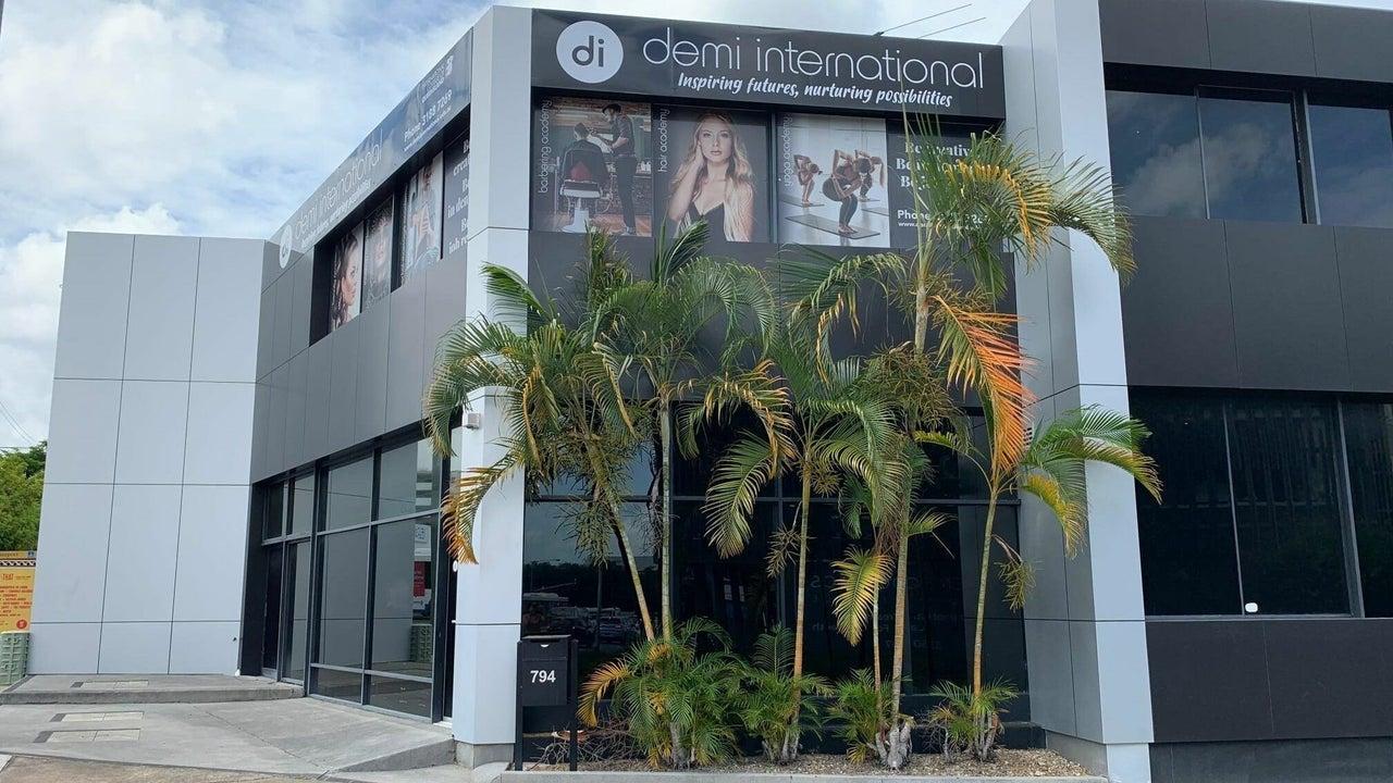 Demi International Beauty Academy - Monday Bookings