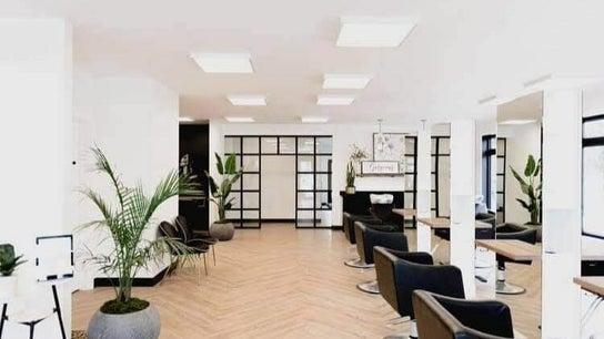Niki Christopher - Massage Therapist at Komosis Studio