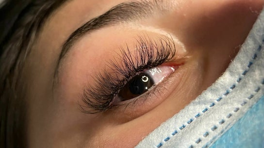 Lily Mik Lashes