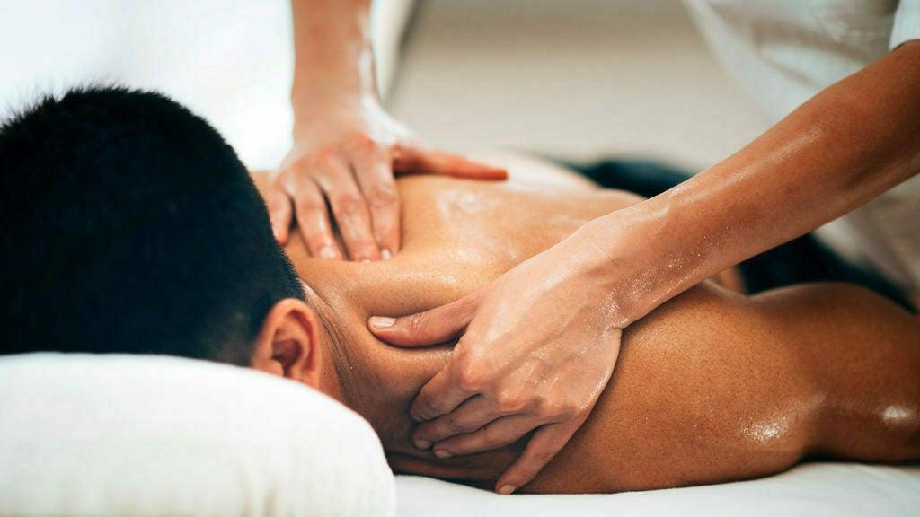 Fresh Sports Massage @ 93 Hope st - 1