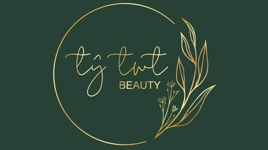 Ty Twt Beauty @ Salon Artiste
