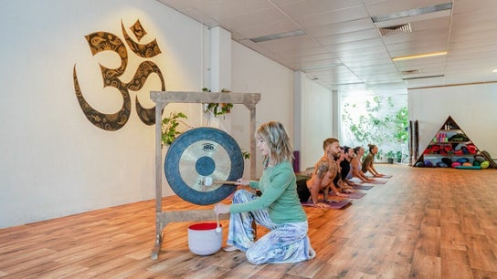 Chameleon New Age Salon - Yin Yoga with Debbie