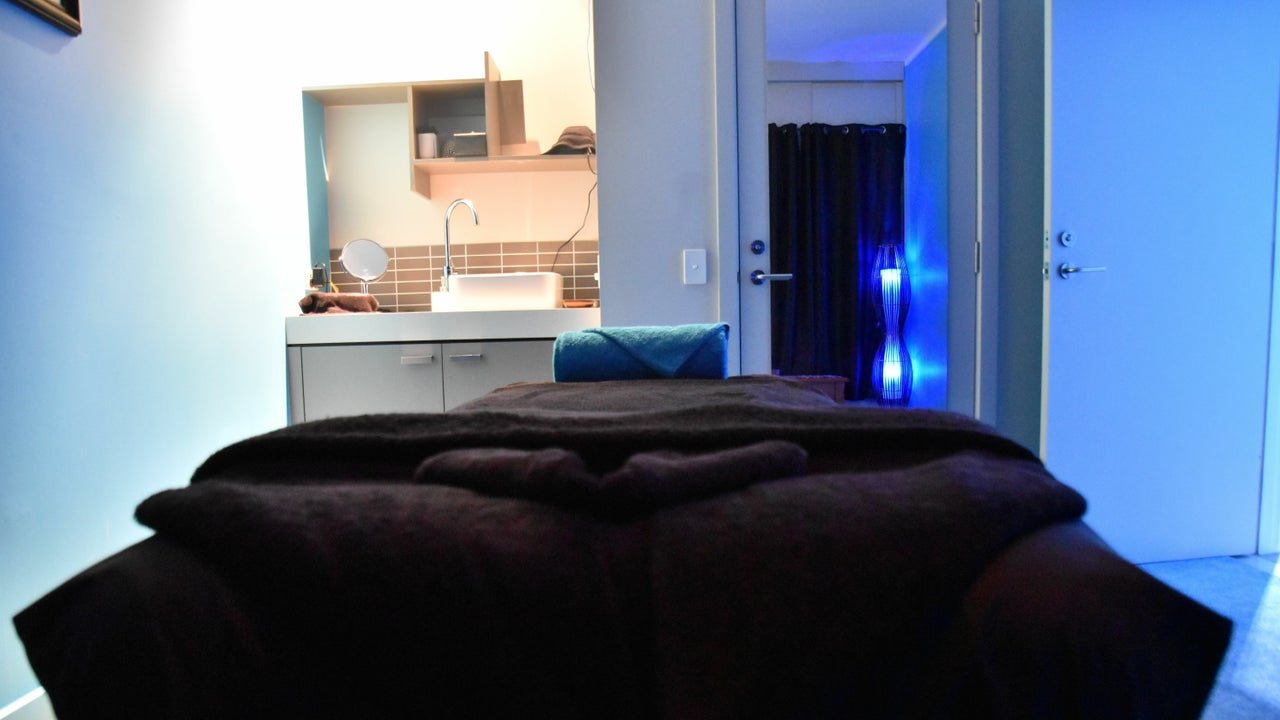 Oiled Massage @ The Pier Salon -  Shangri-La Hotel  - 1