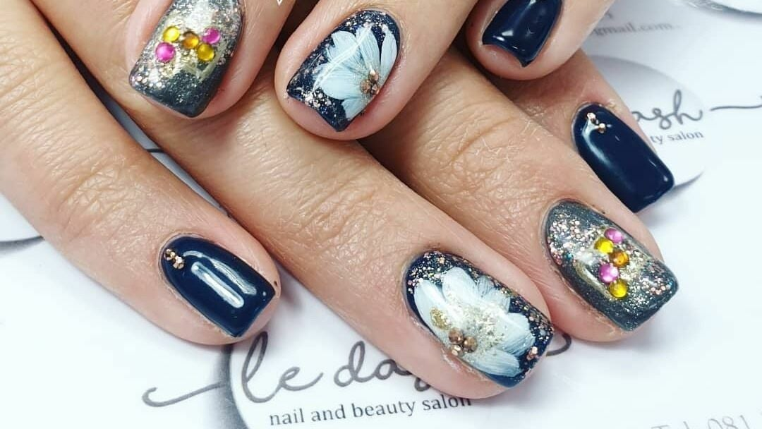 Le Dash Nail & Beauty Salon - 1