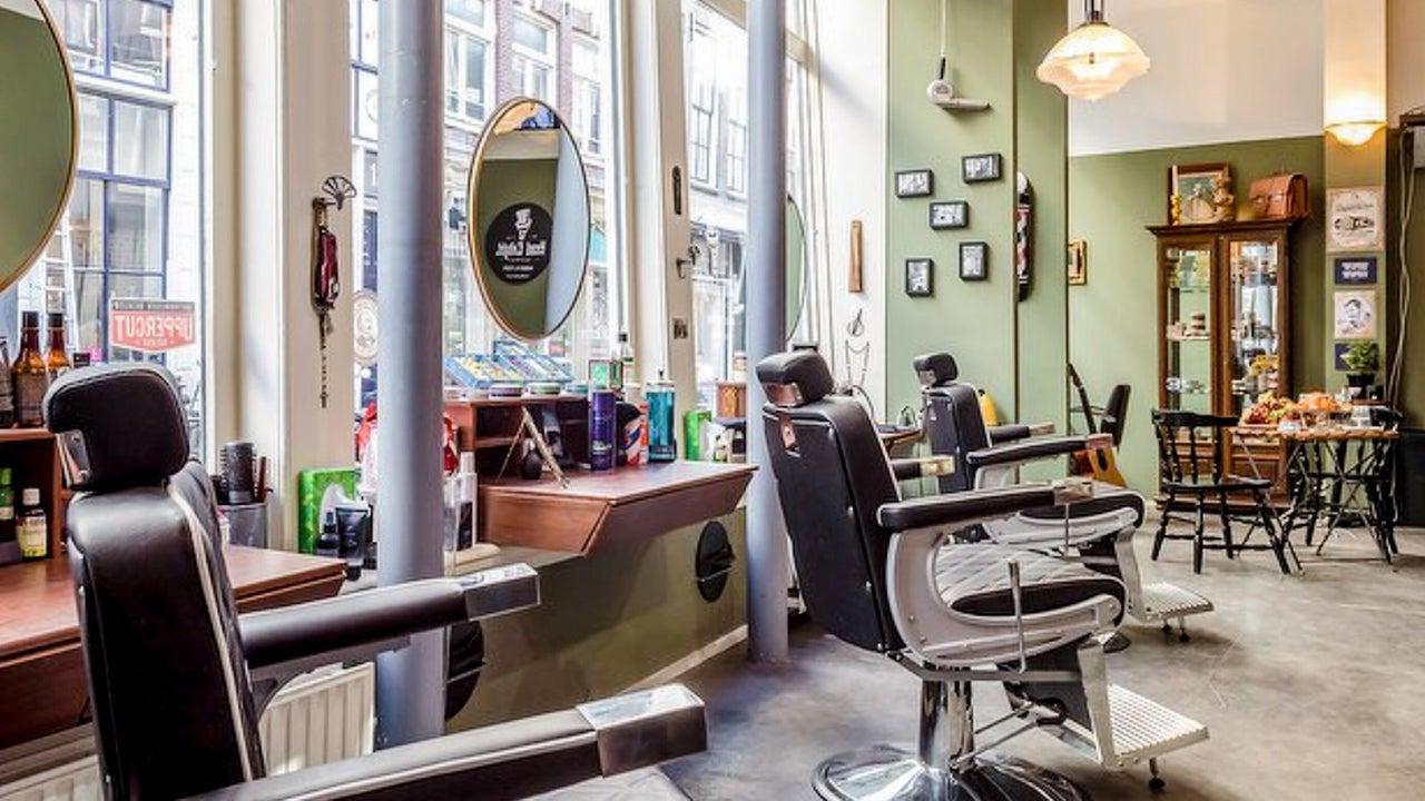 Head Enlight District - Barbershop & Concept Store  - 1