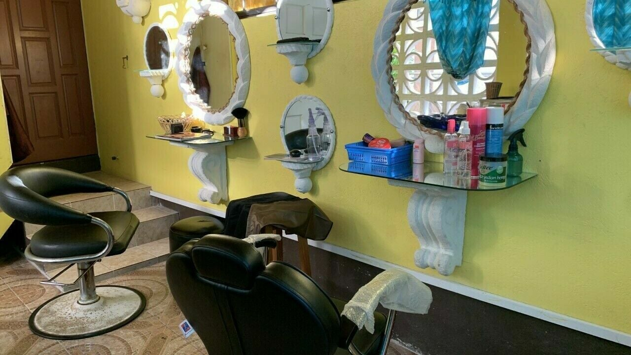 Healthy scalp & hair Clinic