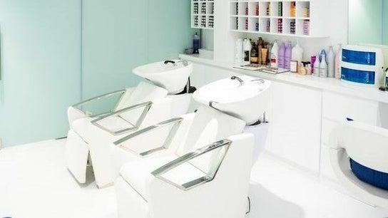Chloe's Beauty, Hair & Nails - Jumeirah Islands Clubhouse 1