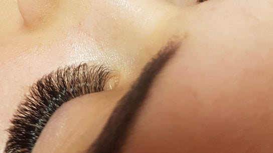 Amy Phillips Lashes
