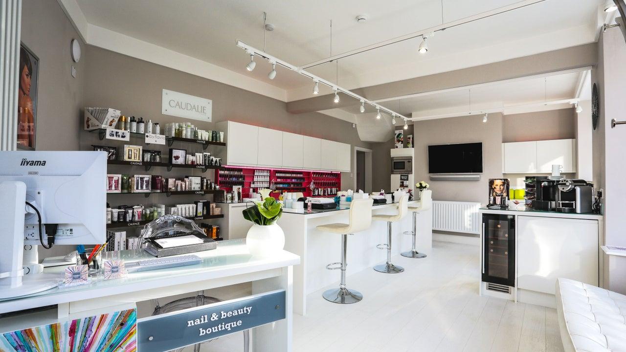 Paintbox - Nails & Beauty Boutique - 1