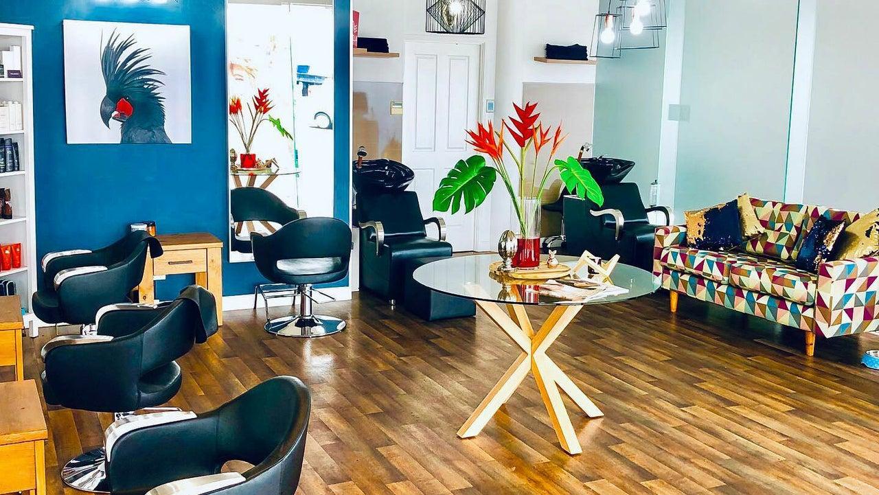 Blu Boutique Hairdressing - 1