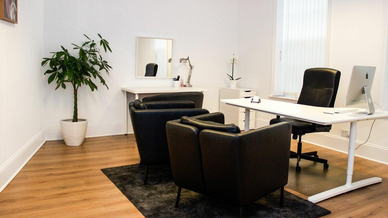 International Hair Studio