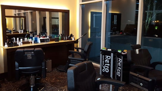 Retro Marina Gents Salon