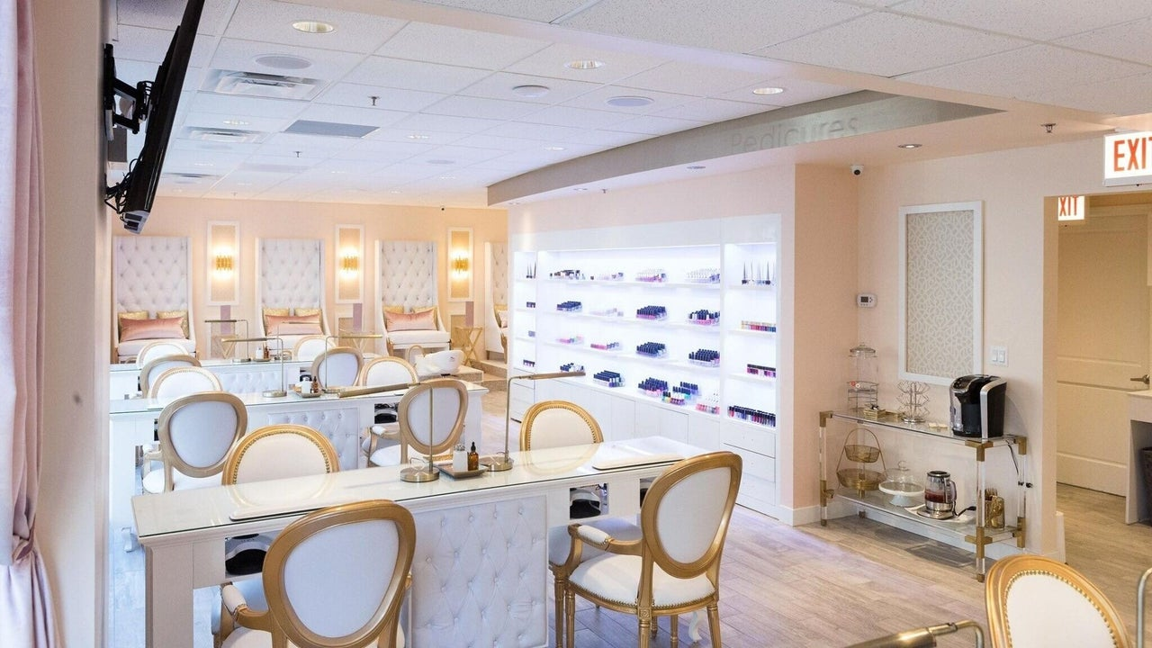 Re'Luxe Nail & Spa Boutique - 1