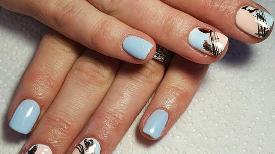Petit beauty and nails